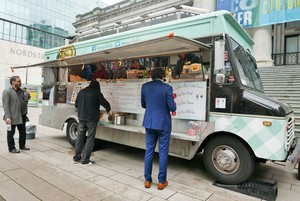 moms-grilled-cheese-vancouver-food-truck-1